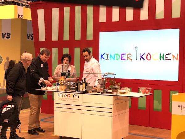 Kinder kochen offiziell geehrt kinder kochen - Kochen nach saison ...